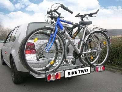 2 montierte Fahrräder